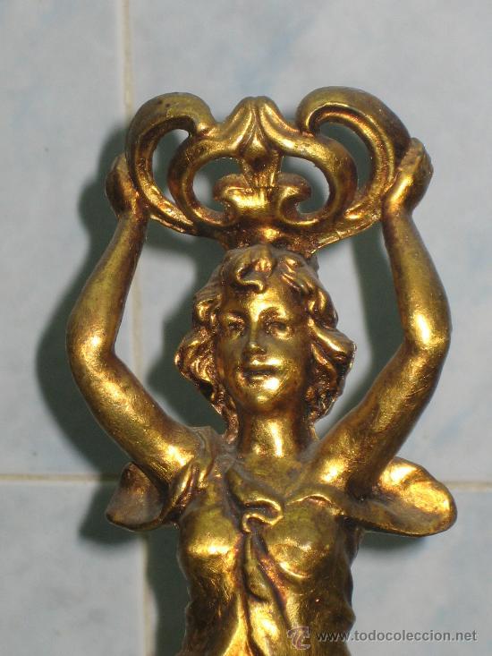 Antigüedades: FIGURA FEMENINA.MODERNISTA.CALAMINA DORADA - Foto 2 - 21305051