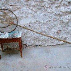 Oggetti Antichi: FORCA ANTIGUA DE MADERA Y FORJA.. Lote 21642853