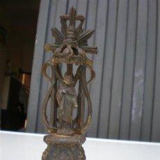 Antigüedades: ANTIGUO ALTAR DE ESTAÑO Y DORADO. Lote 21652907