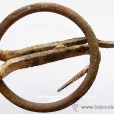 Oggetti Antichi: ANTIGUA ANILLA DE FORJA.. Lote 26376706