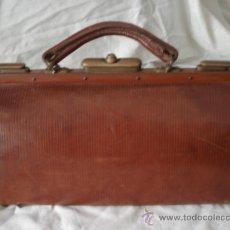 Antigüedades: MALETIN DE MEDICO 1920.-. Lote 38109844