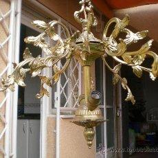 Oggetti Antichi: ANTIGUA LAMPARA DE TECHO DE BRONCE. Lote 28770509