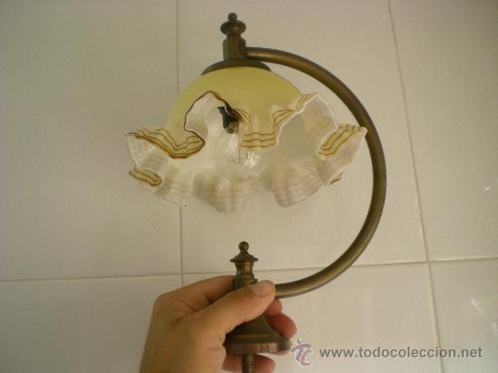 ANTIGUA LAMPARA MUY CURIOSA LA TULIPA PARECE CRISTAL MURANO LA LAMPARA ES DE METAL (Antigüedades - Iluminación - Lámparas Antiguas)