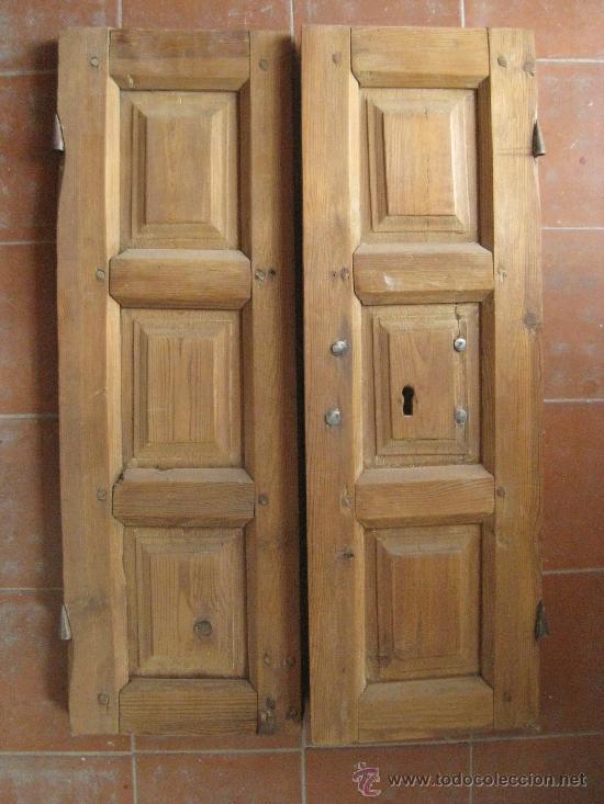 Puerta de madera con dos hojas antigua muy bien comprar for Puertas antiguas de madera de 2 hojas