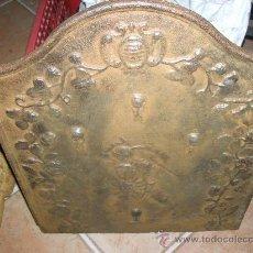 Antigüedades: PLACA DE CHIMENEA EN HIERRO FUNDIDO SIGLO XVIII. Lote 26229032