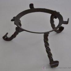 Antigüedades: MACETERO DE FORJA MUY ANTIGUO.. Lote 27627759