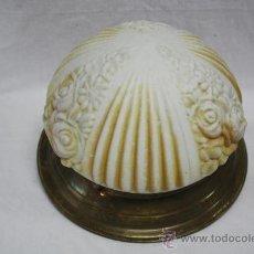 Antigüedades: LÁMPARA PLAFÓN DE CRISTAL CON FLORES COLOREADAS EN EL INTERIOR. VER FOTOS.. Lote 26430223