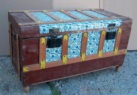 Baul o arca antigua de madera con chapa repuja comprar - Restaurar baules antiguos ...