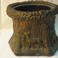 Antigüedades: MACETERO DE BARRO COCIDO DE FINALES DEL XIX. Lote 26378560