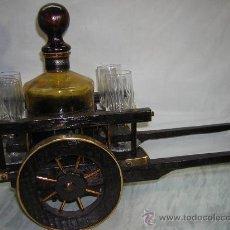Antigüedades: BOTELLERO CARRO DE MADERA CON BOTELLA VINO Y 4 COPAS CRISTAL. Lote 26755323