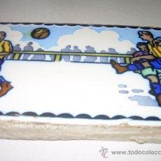 Antigüedades: ANTIGUA Y BONITA BALDOSA DE FUTBOL.. Lote 25291390