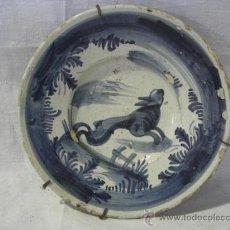 Antigüedades: PLATO CATALÁN AZULADO CON LIEBRE. SIGLO XVIII.. Lote 26713779