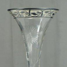 Antigüedades: JARRÓN DE CRISTAL 26 CM ALTURA, ANEXA.. Lote 22636773