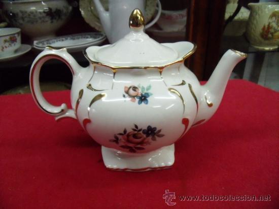 Antigua tetera de porcelana inglesa marca price comprar for Marcas de porcelana