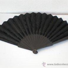 Antigüedades: ABANICO PERICON EN SEDA BORDADO. Lote 22801852