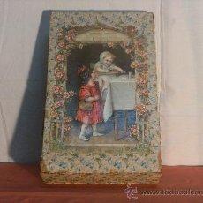 Antigüedades: CAJA DE MADERA FORRADA DE PAPEL. Lote 22855208