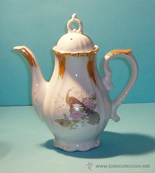 TETERA DE PORCELANA. MARCA EN LA BASE MADE IN JAPAN. ALTURA 19 CM (Antigüedades - Porcelana y Cerámica - Japón)