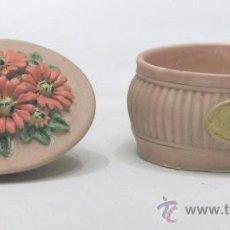 Antigüedades: CAJITA PINTADA A MANO Y FIRMADA.. Lote 23000899