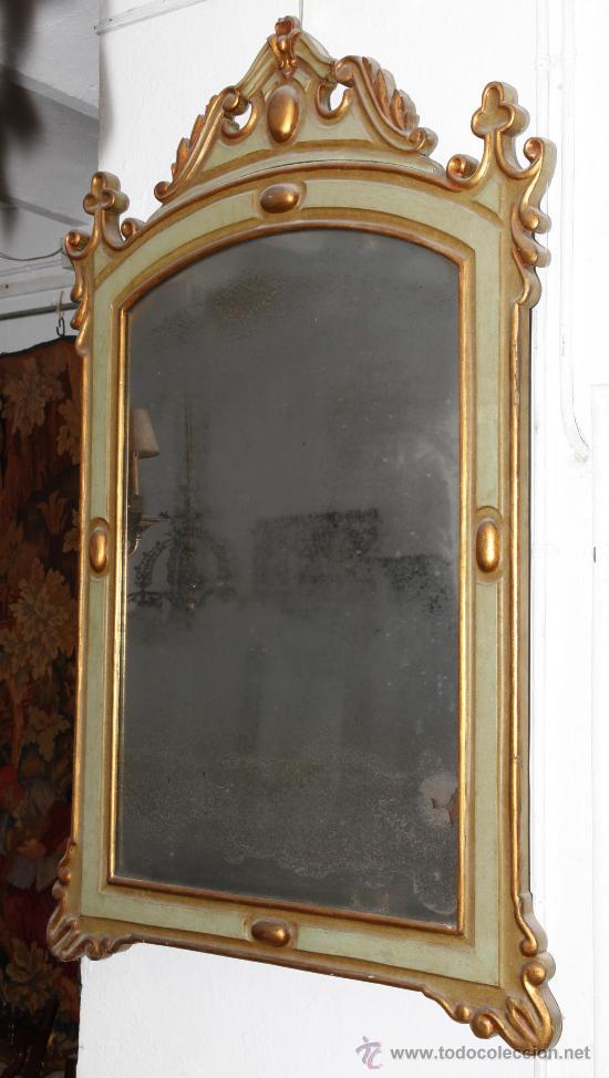 ESPEJO ISABELINO DE CAOBA PINTADO DE VERDE Y PURPURINA. 135 CM ALTO X 86 CM ANCHO. (Antigüedades - Muebles Antiguos - Espejos Antiguos)