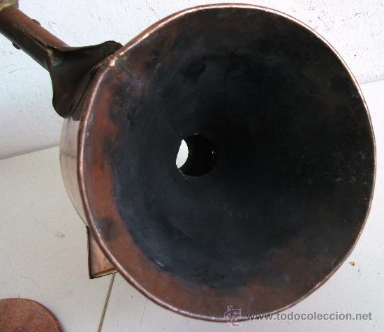 Antigüedades: raro embudo y recipiente con tapa, de cobre con mango de madera (19cm aprox de diametro) - Foto 5 - 23316005