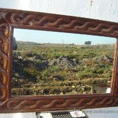 Antigüedades: ESPEJO GRANDE DE TAKA Y TORNEADO. Lote 23426433