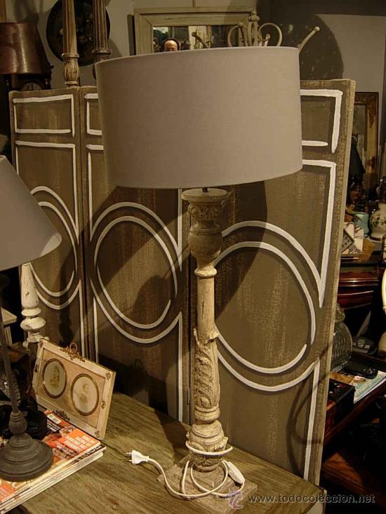 BONITA PANTALLA DE MADERA TRABAJADA (Antigüedades - Iluminación - Otros)