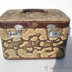 Antigüedades: MALETIN DE VIAJE EN PIEL DE COBRA. Lote 23523325