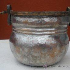 Antigüedades: ANTIGUA OLLA DE COBRE CON ASA.. Lote 26619132