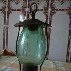 Antiques - FAROL ANTIGUO DE BRONZE CON CRISTAL SOPLADO DE COLOR Y TALLADO - 26679913