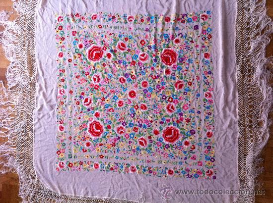 Antigüedades: Espectacular manton de Manila en seda bordada. - Foto 3 - 24003219