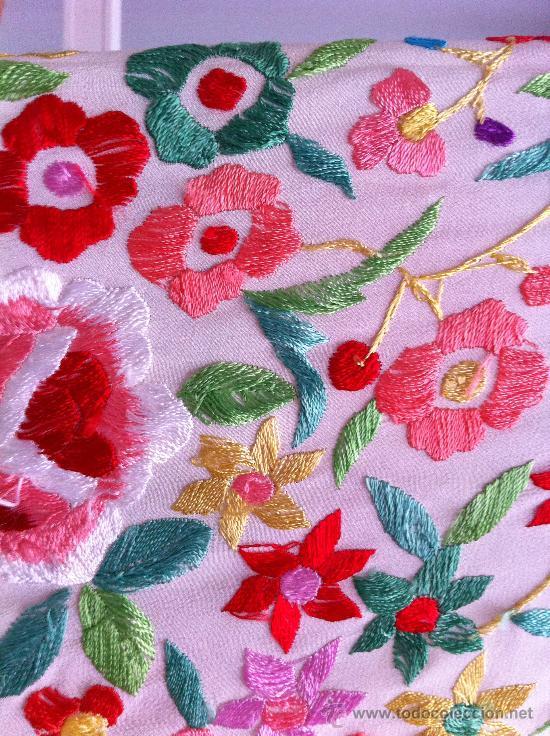 Antigüedades: Espectacular manton de Manila en seda bordada. - Foto 4 - 24003219