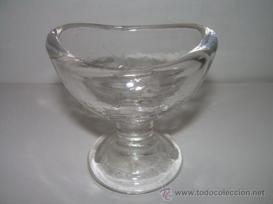 ANTIGUO RECIPIENTE DE CRISTAL PARA LAVAR LOS OJOS. (Antigüedades - Cristal y Vidrio - Farmacia )