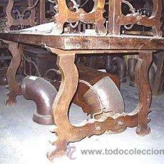 Antigüedades: MESA DE LIRA CASTELLANA DE NOGAL ESPAÑOL Y CON 2 BANCOS A JUEGO. MEDIDA 310X0.96X CM. Lote 24026167