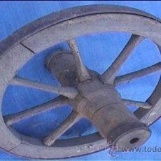 Antigüedades: RUEDA CARRETA MADERA. Lote 24308817