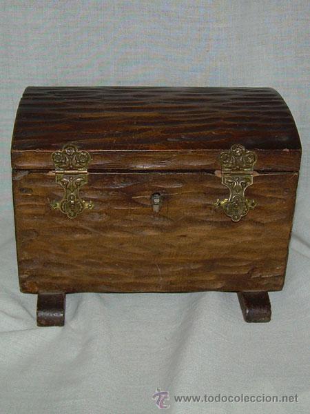 cajita joyero de madera en forma de baul con comprar