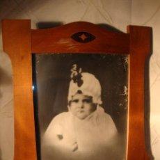 Antigüedades: ANTIGUO MARCO CON MARQUETERIA, ÉPOCA MODERNISTA, HACIA 1915/20. Lote 26609038