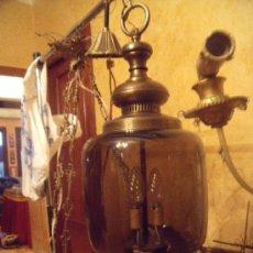 Antigüedades: PRECIOSO Y ANTIGUO FAROL DE COBRE Y GRUESO CRISTAL ACARAMELADO FUNCIONANDO.. Lote 27583679