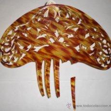 Antigüedades: PEINETA ANTIGUA. PRINCIPIOS DEL S.XX. CALADA EN SÍMIL DE CAREY.. Lote 24823736