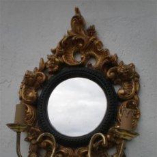 Antigüedades: ESPEJO DORADO DE YESO CON VELONES. Lote 24826491
