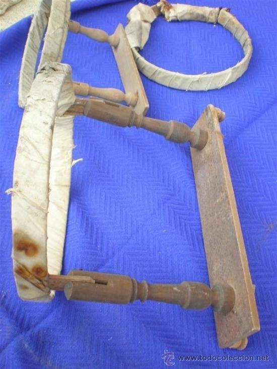 Antigüedades: 2 bordadoles de madera antigua - Foto 2 - 25350605