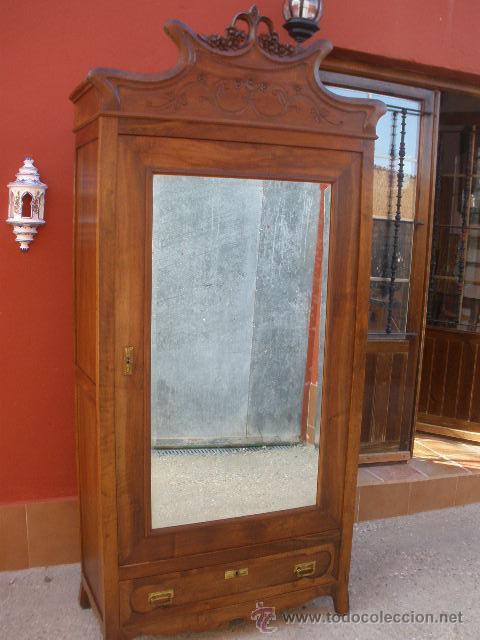 Aparador Corredor Apartamento ~ precioso, antiguo armario de nogal, con copete Comprar Armarios Antiguos en todocoleccion