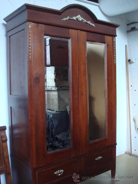 Antiguo armario en madera de caoba y cedro re comprar - Muebles antiguos de madera ...