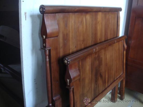 Antigua cama en madera de casta o de 105 110 c comprar - Camas de madera antiguas ...