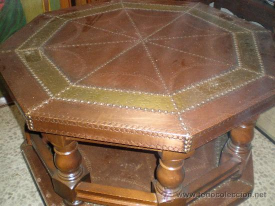 MESA DE CENTRO BAJA CON SOBRE DE COBRE (Antigüedades - Muebles Antiguos - Mesas Antiguas)