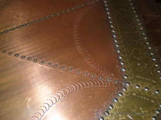 Antigüedades: mesa de centro baja con sobre de cobre - Foto 3 - 25971125
