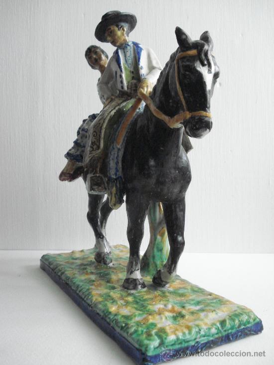 Antigüedades: FLAMENCOS A CABALLO . FIGURA DE CERAMICA VIDRIADA DE TRIANA.1900 - Foto 3 - 27414334