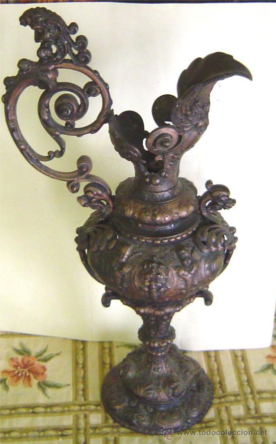 ANTIGUO JARRON DE METAL - 50 CM ALTO (Antigüedades - Hogar y Decoración - Jarrones Antiguos)