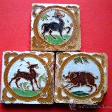 Antigüedades - *** LOTE X 3 ANTIGUAS OLAMBRILLAS DE TRIANA (SEVILLA) CON TEMATICA ANIMAL: CIERVOS Y JABALI *** - 26219020