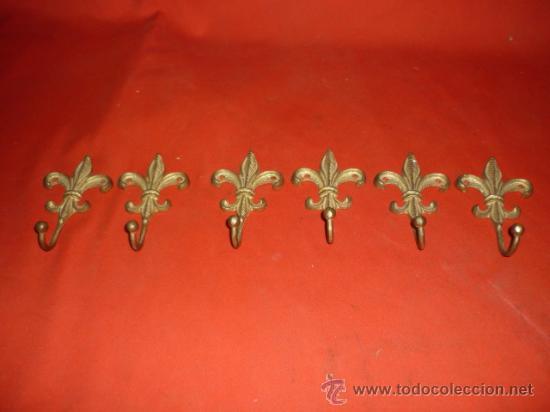 Seis colgadores para percha flor de lis en lato comprar for Colgadores para perchas