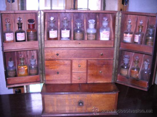 Antiguo botiquin de farmacia en madera del sigl comprar farmacia cristal y vidrio antiguo en - Botiquin antiguo ...